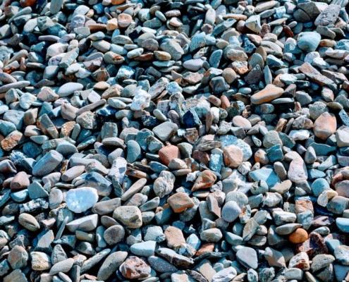 Kieselsteine auf einem Haufen